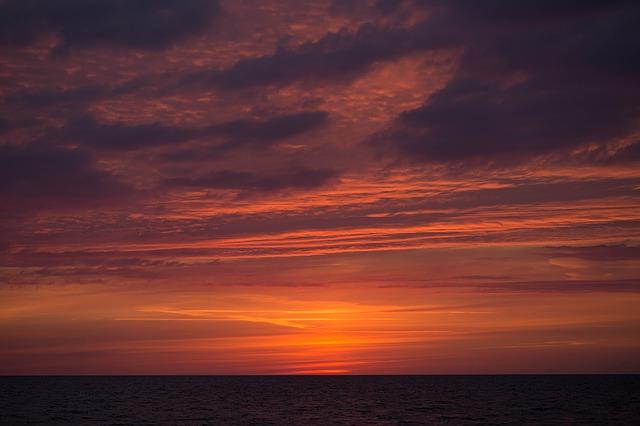 sunset-1414501_640